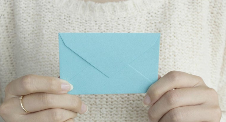 What Is the Minimum Size Envelope That Can Be Mailed Via the United States Postal Service?