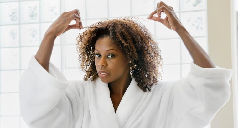 What Are Some Moisturizing Home Remedies for Dry Hair?