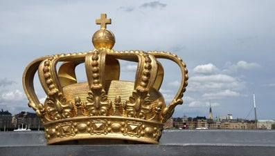What Are Facts About Monarchies?
