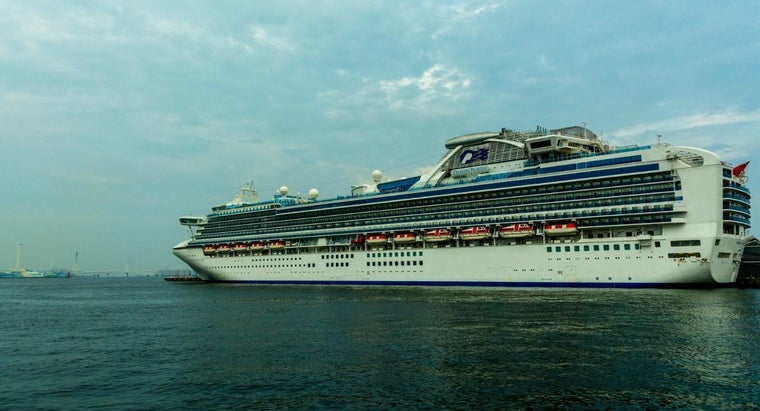 How Much Do Cruise Ship Employees Make?