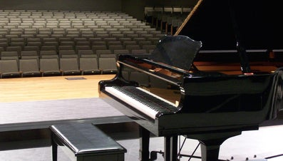 How Much Does a Grand Piano Weigh?