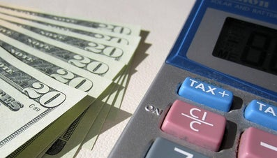 How Much Does a Payroll Clerk Make?
