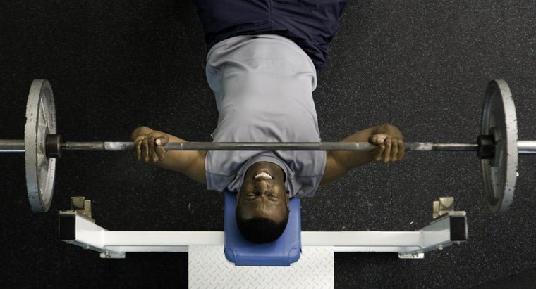 How Much Should I Be Able to Bench Press?