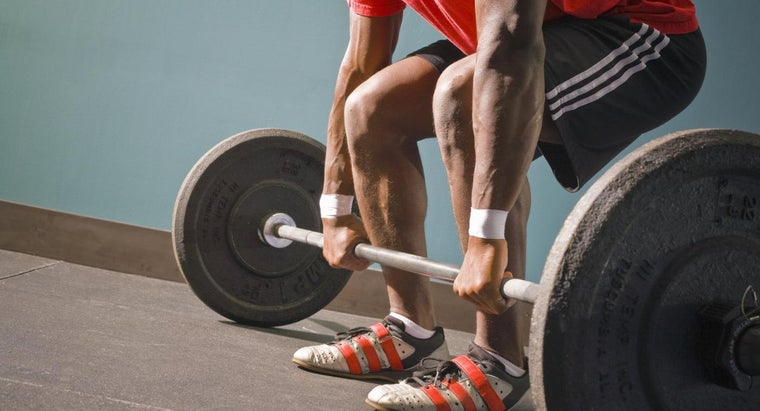 How Much Does a Weightlifting Bar Weigh?