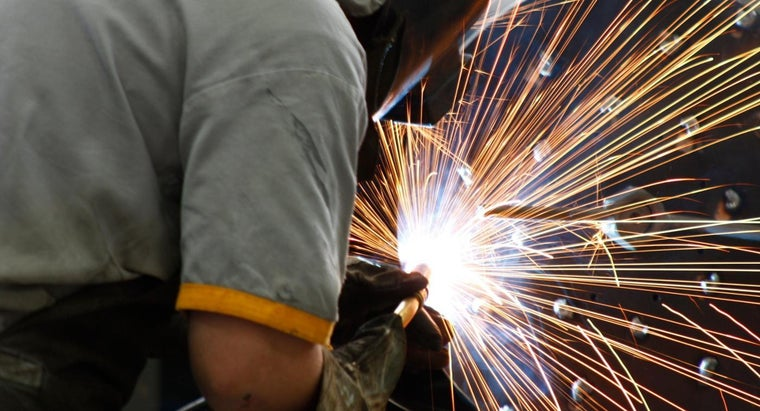 How Much Do Welders Make Per Hour?