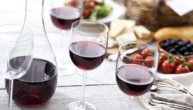 How Much Wine Does a Carafe Hold?