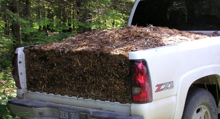 How Much Does a Yard of Mulch Weigh?