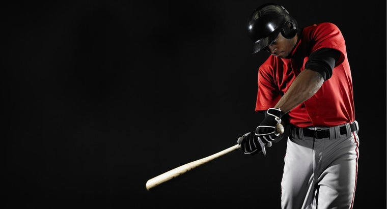 What Are the Muscles Used to Swing a Baseball Bat?