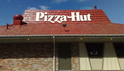 How Do You Get Free Online Coupons for Pizza Hut?