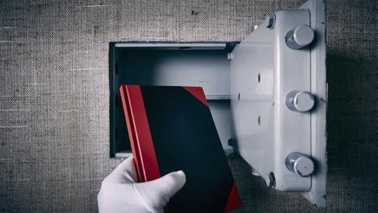 how to open an electronic safe without the combination