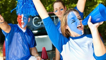 How Do You Paint Your Face for a College Football Game?