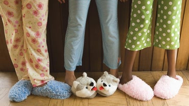 How Can I Decorate a Room for a Pajama Party?