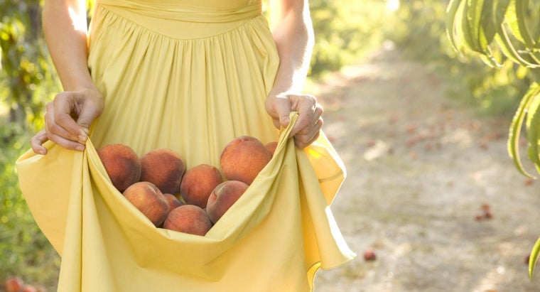 How Are Peaches Healthy for the Body?