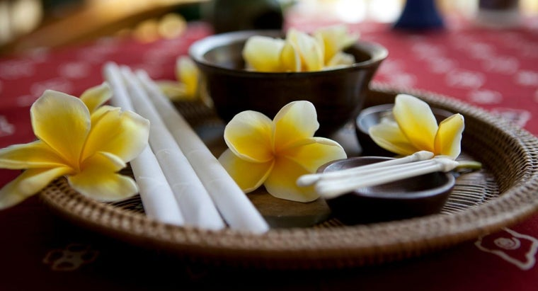 How Do You Perform Ear Candling?