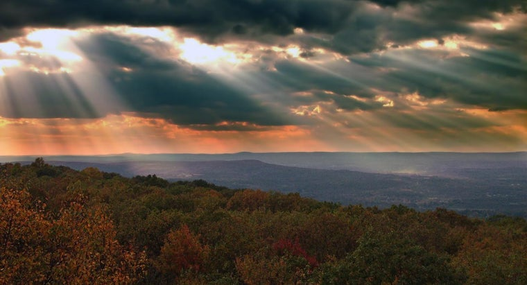 What Are the Physical Features of the Appalachian Plateau?