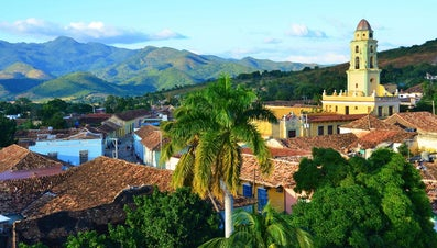 What Are Some Physical Features of Cuba?