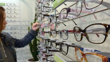 fbb6f9c13d5 What Are Some Popular Eyeglasses by Visionworks