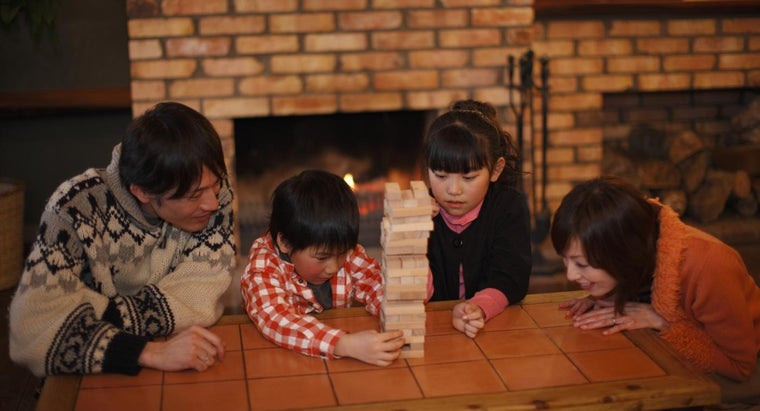How Do You Plan a Family Game Night?