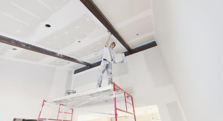 How Do You Plaster a Wall and Ceiling?
