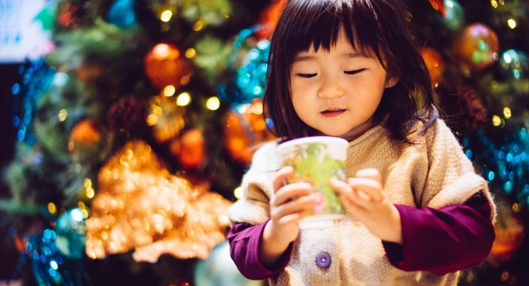 What Are the Most Popular Christmas Tree Decorations in China?