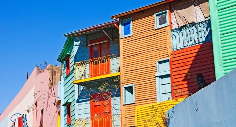 What Are Some Popular Color Schemes for a House Exterior?