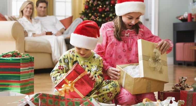 Where Is It Possible to Get Free Christmas Gifts for Kids ...