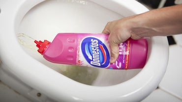 What Is the Proper Ratio of Bleach and Water for Disinfecting?