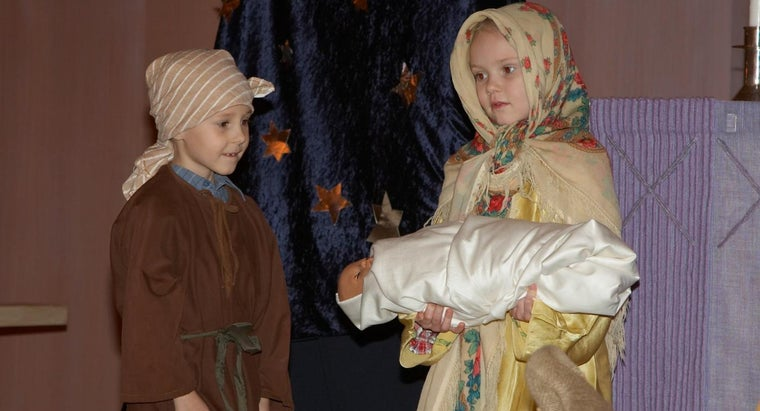 What Are Some Props for a Nativity Play?