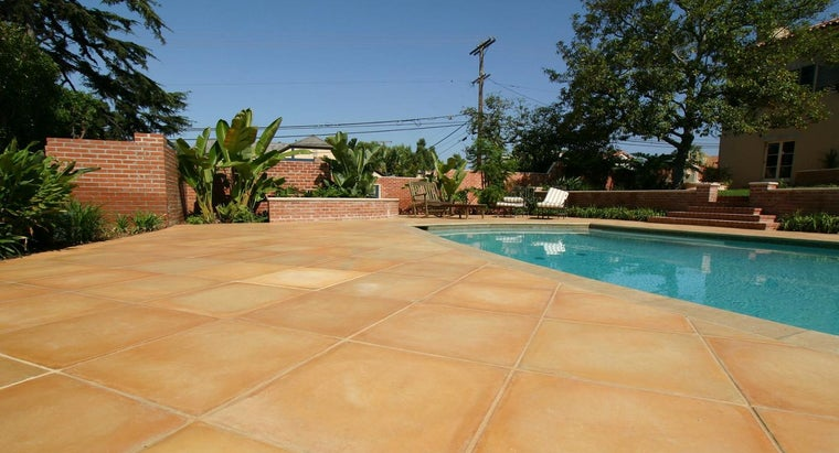 What Are the Pros and Cons of Travertine Tile?