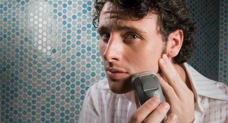 What Is the Best Razor for Men With Sensitive Skin?