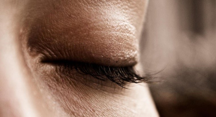 How Do You Remove Eyelash Glue?