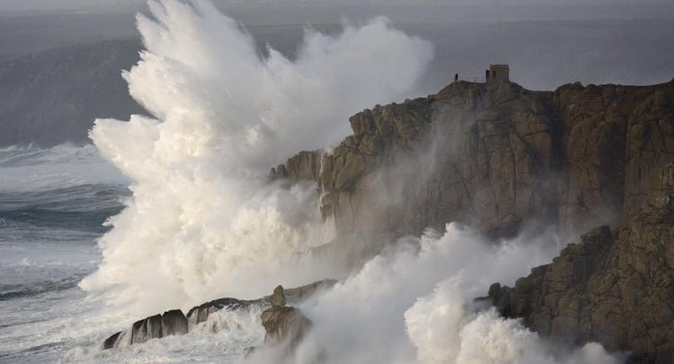 How Do Rogue Waves Form?