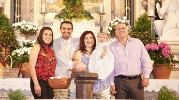What Is the Role of Padrinos in Hispanic Families?