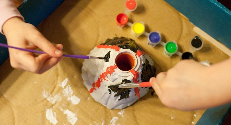 Is There a Science Project a Kid Can Do Involving Volcanoes?