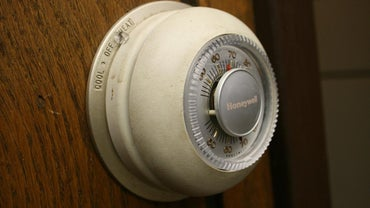 What Setting Should a Home Thermostat Use in the Summer?