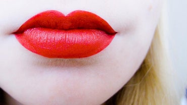 What Is the Best Shade of Red Lipstick for Fair Skin?