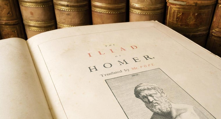 "What Is a Short Summary of ""The Iliad""?"