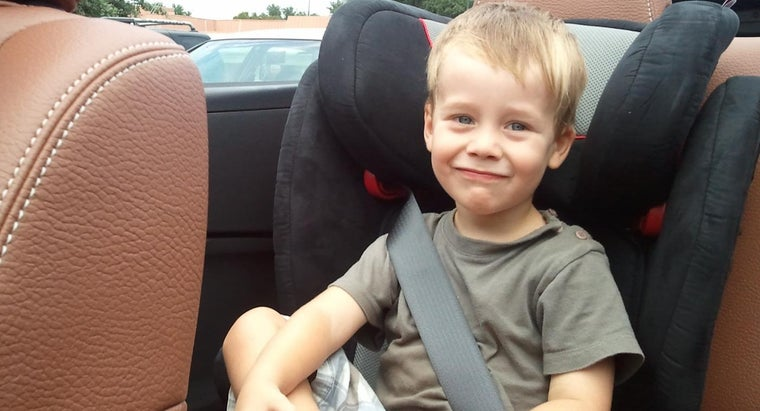 Should an Adult Always Be Seated Next to a Child in a Booster Seat?