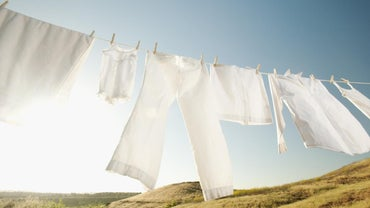Should White Clothing Be Washed in Hot or Cold Water?