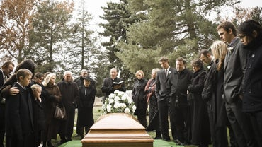 How Should You Word a Funeral Acknowledgement?