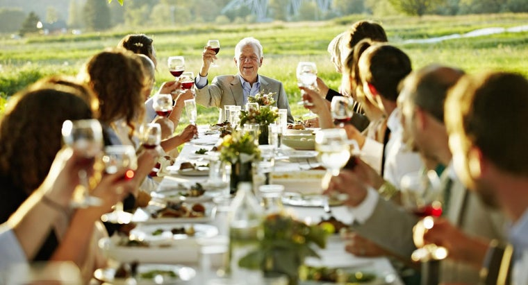 How Should You Write an Invitation Letter for a Dinner?