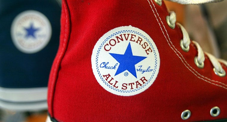 What Side Is the Converse Logo On?