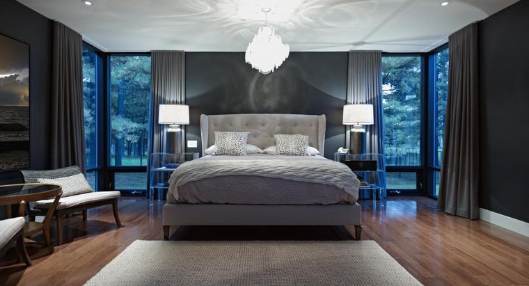 What Is the Size of an Average American Bedroom?