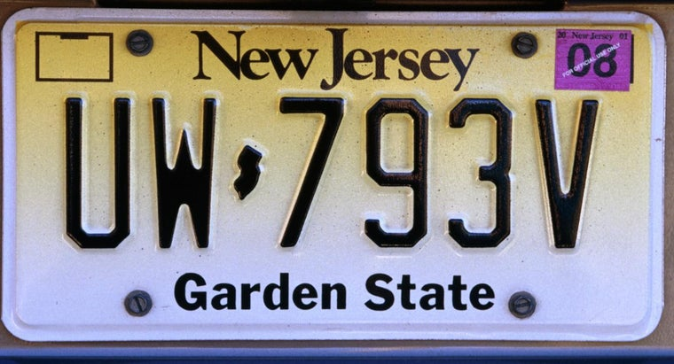 What Size Screws Do You Need for Attaching a License Plate?