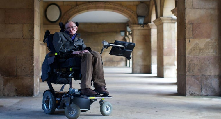 What Are Some of Stephen Hawking's Accomplishments?