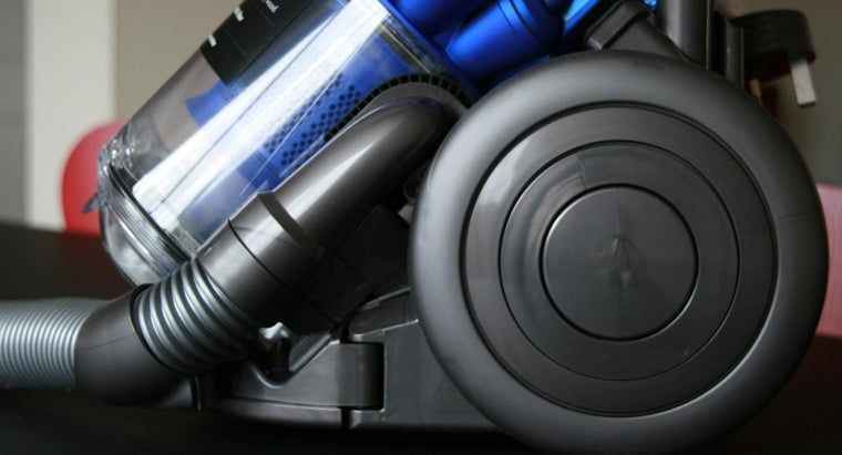 How Is the Store Loctor Tool Used on Dyson's Website?