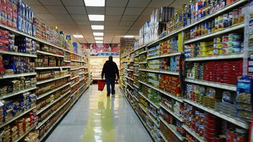 Which Stores Sell Vinegar and Baking Soda?