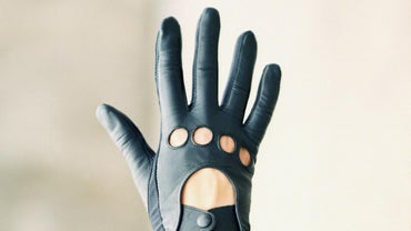 How Do You Stretch Leather Gloves?