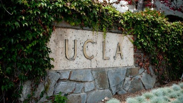 What Is the Student Population at UCLA?