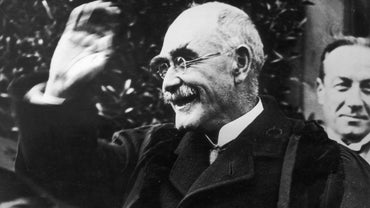 "What Is a Summary of the Poem ""If--"" by Rudyard Kipling?"